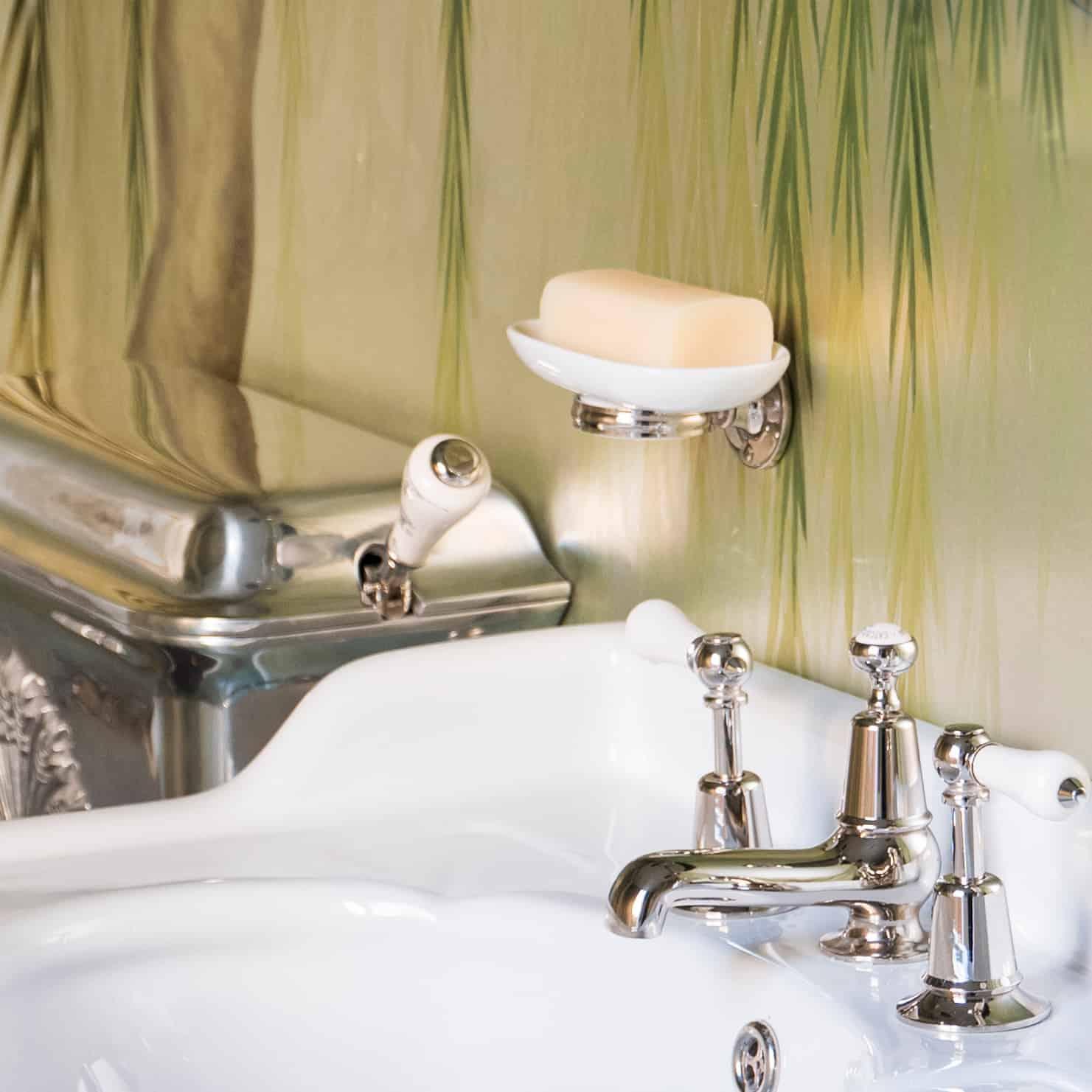 The-Empire-Cermaic-Soap-Dish